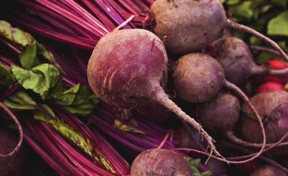 Endometriózis diétába illeszthető recept: vegán céklaleves